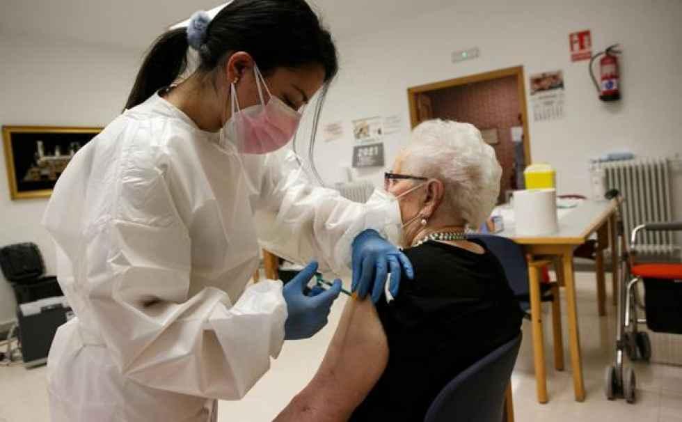 Concluida vacunación completa a mayores de 70 años