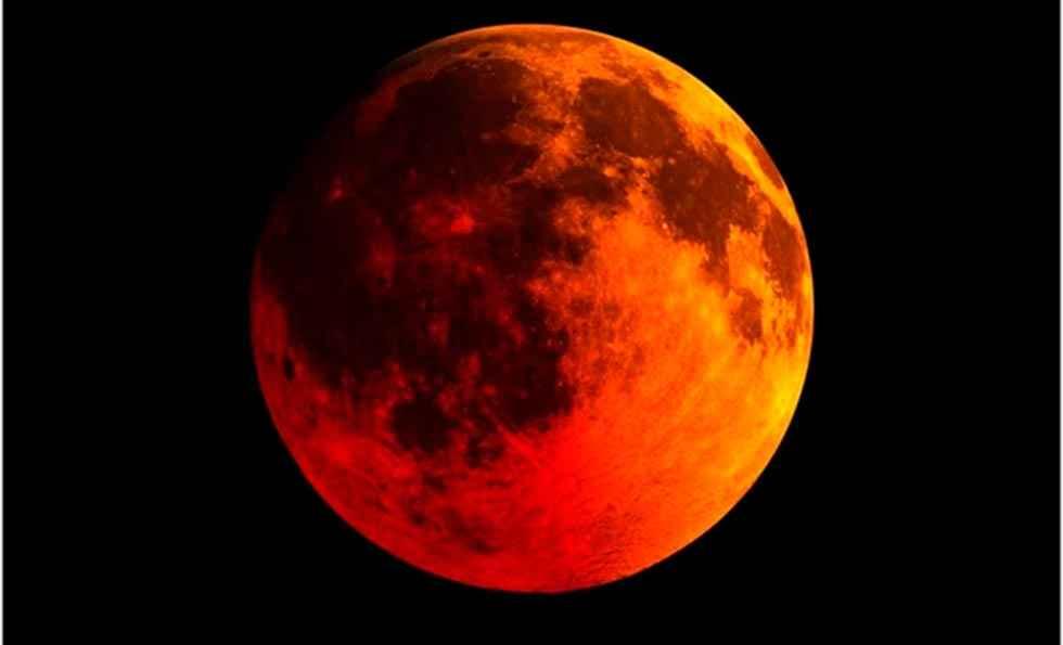 Luna de sangre y la superluna de las flores