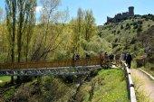 Pasarela y sanitario ecológico para el Cañón del Río Lobos