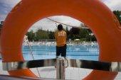 Podemos actualiza normativa para piscinas