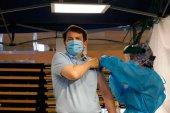 Mañueco pide al Gobierno que envie más vacunas