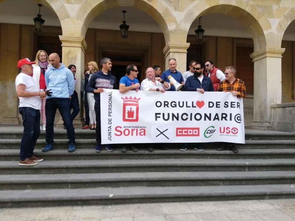 "Los sindicatos se plantan ante ""paripé"" municipal"