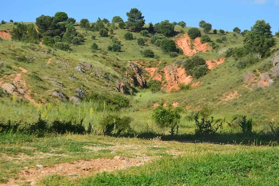 TRIBUNA / El cerro enjalbegado