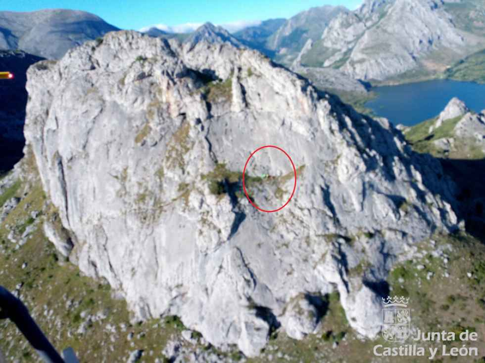 Rescate de escalador herido en Cotón de Láncara