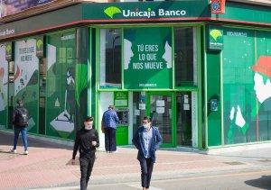Unicaja Banco financia el pago de IRPF