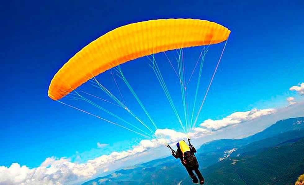 Herido piloto de parapente en aterrizaje en Solosancho