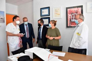 El ICSCYL entrega ecógrafo al hospital Santa Bárbara