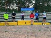 Rovira y Cabrera lideran triatlón en Navaleno
