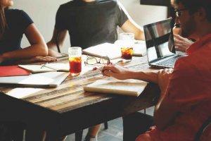 Dosmillones para ayudar a abrir propio negocio