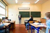 El 60 por ciento de docentes inscritos, en oposiciones