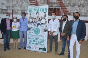 Almazán: presentación de cartel taurino - fotos