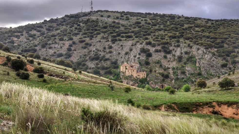 TRIBUNA / El Cerro de los Moros