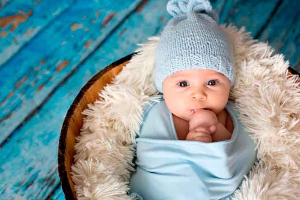 La Diputación entrega 700 tarjetas de cheque bebé