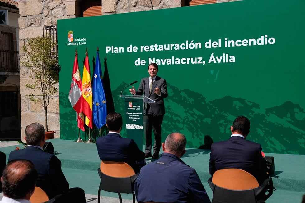 Mañueco compromete apoyo a zona devastada por incendio