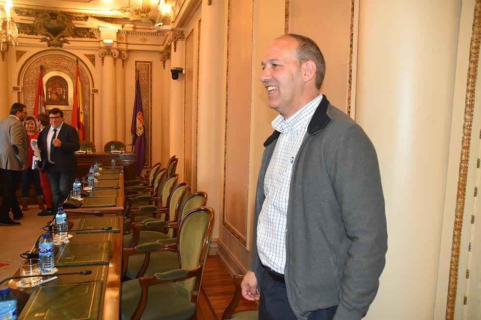 El PSOE pide más información de Personal