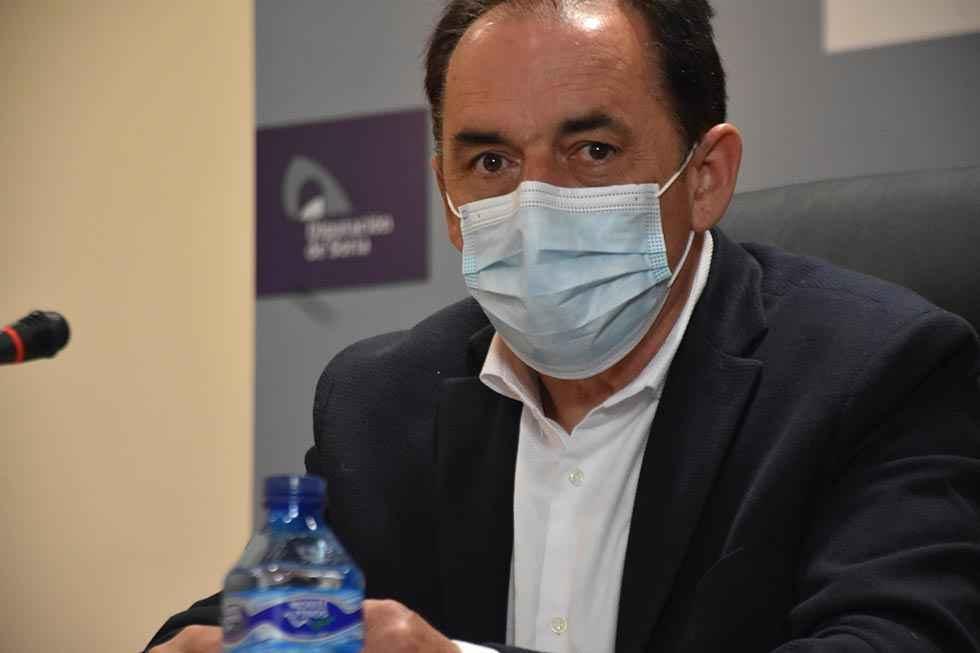 Serrano asegura que no se cerrarán consultorios