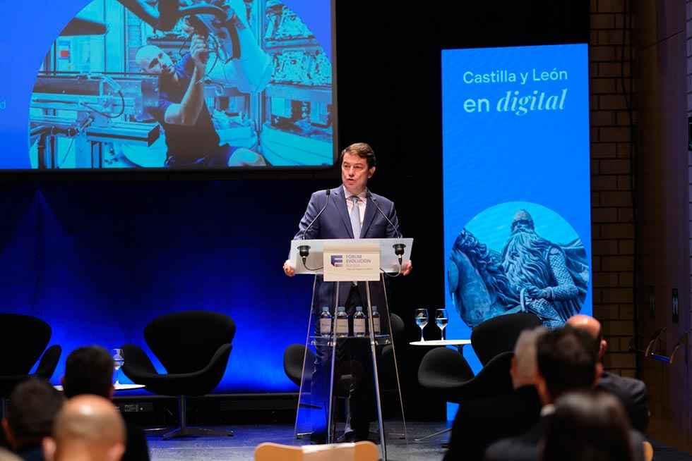 Mañueco asegura cobertura con 100 megas en 2025