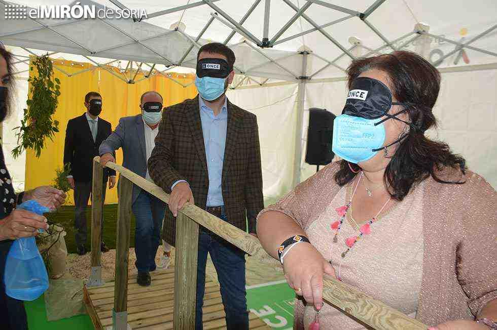 La ONCE enseña su labor con actividades lúdicas