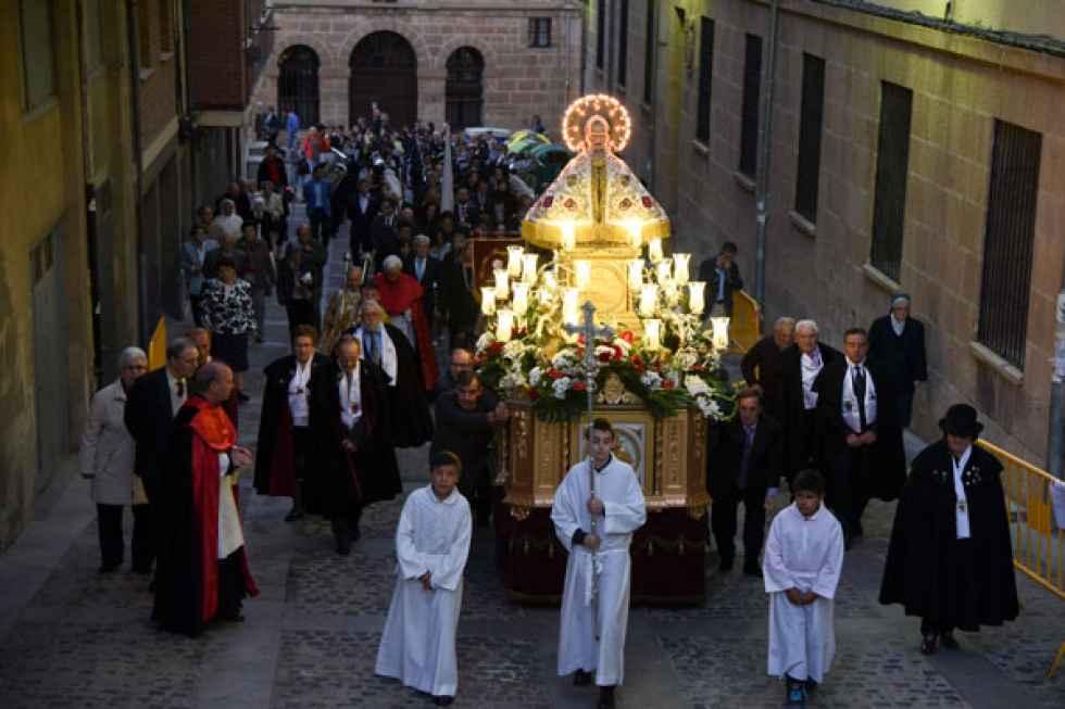 Cambio de retablo de la imagen de San Saturio