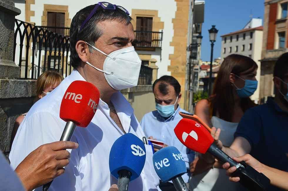 """Santamaría: """"Los PGE no pintan mal"""""""
