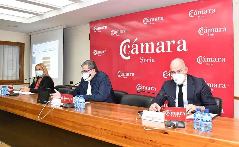 La Junta presenta a empresas las medidas de apoyo