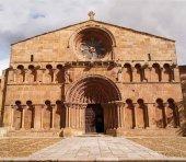 Santo Domingo, entre iglesias románicas más bonitas