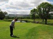 Cita con el V Torneo de Golf benéfico AECC