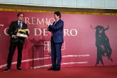 Mañueco subraya su compromiso con mundo del toro y su cultura