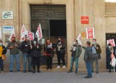 Concentración para apoyar al sindicato italiano CGIL